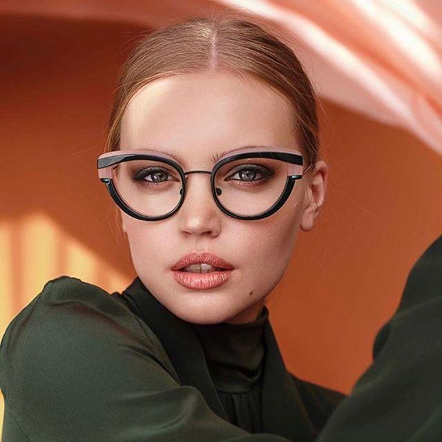 modne okulary dla kobiety